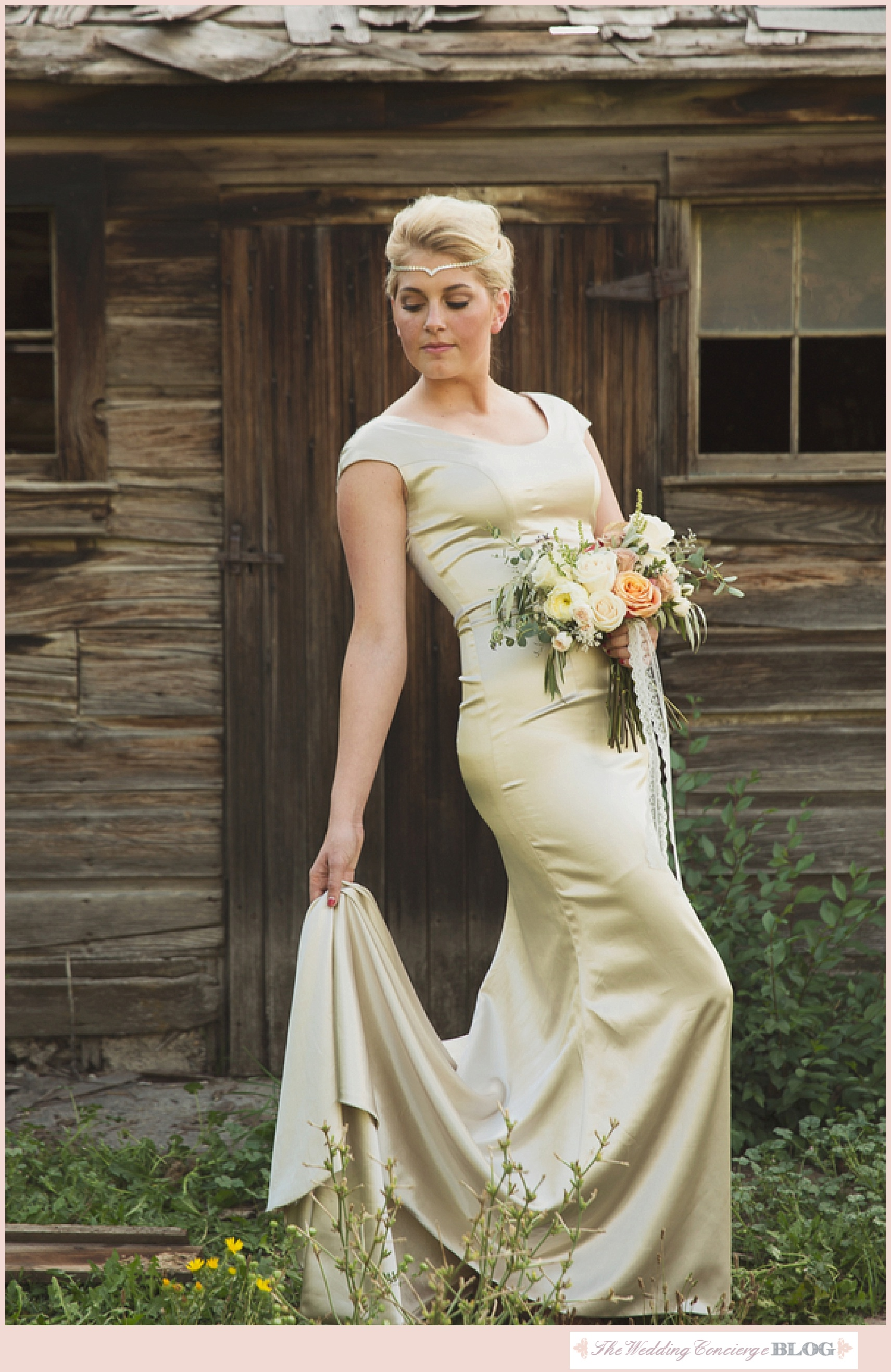 Rustic_Styled_Bridal_Shoot_The_Wedding_Concierge_0046.jpg