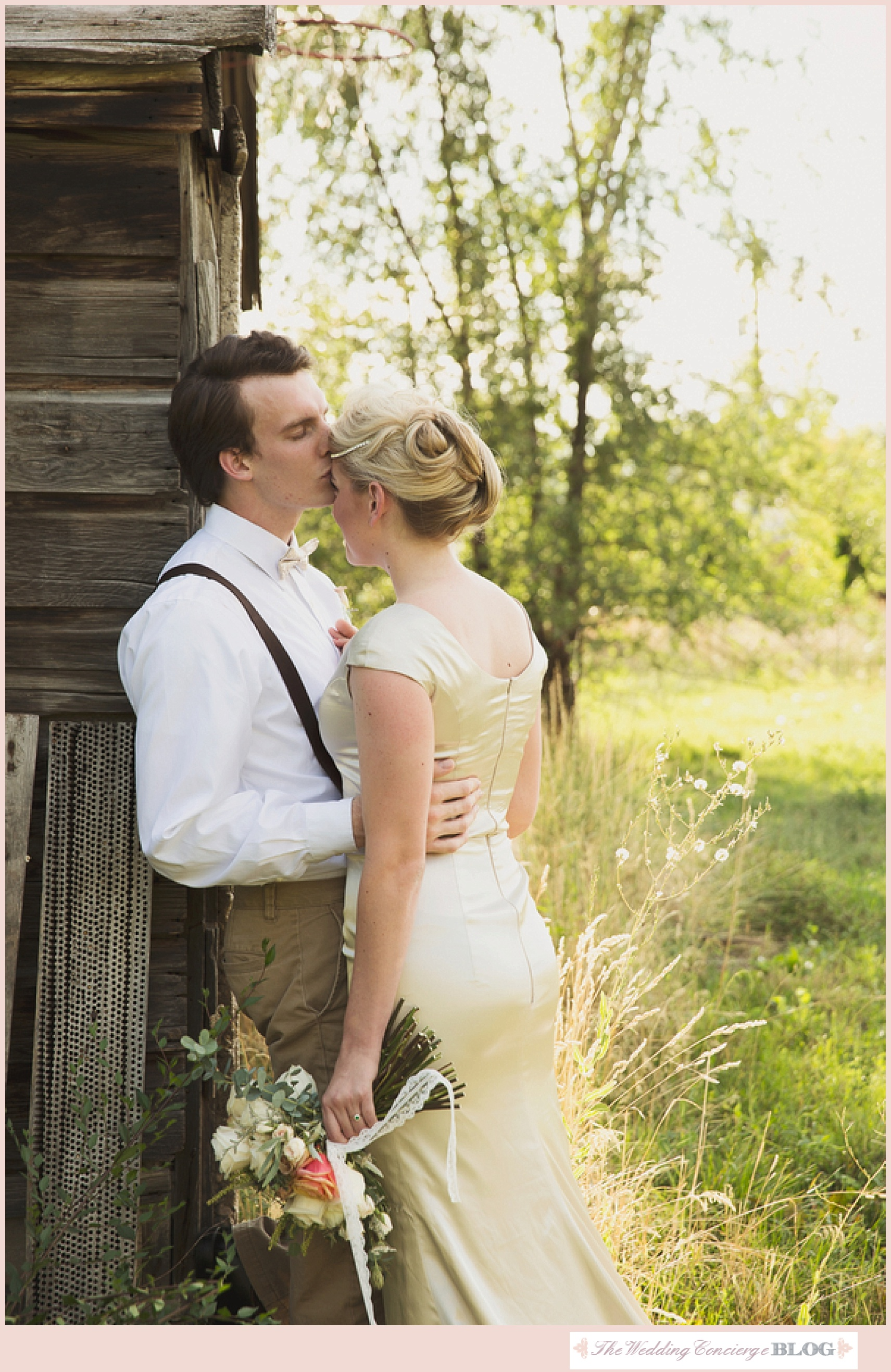 Rustic_Styled_Bridal_Shoot_The_Wedding_Concierge_0047.jpg